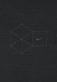 Nike Sportswear - T-shirt - bas - black - 2
