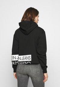 Calvin Klein Jeans - Hoodie - black/bright white - 2