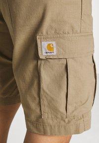 Carhartt WIP - AVIATION COLUMBIA - Shorts - sand - 3
