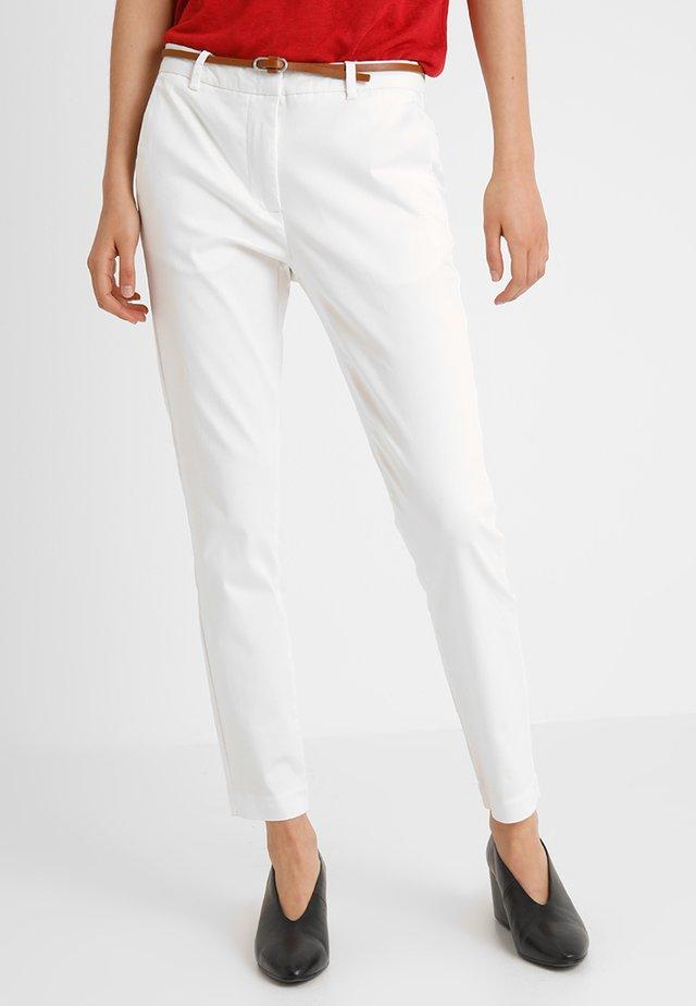 DAYS CIGARET PANTS  - Chinosy - off white