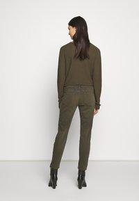 CLOSED - BAKER - Skinny džíny - shadow green - 2