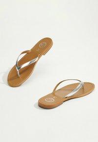White Sun - BOAVISTA  - T-bar sandals - silver - 3