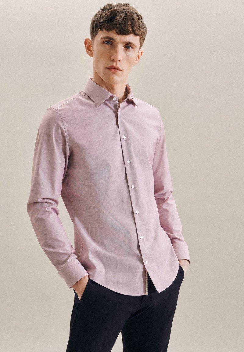 Seidensticker - BUSINESS - Formal shirt - rot