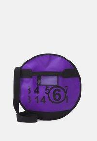 MM6 Maison Margiela - Taška spříčným popruhem - royal purple - 2