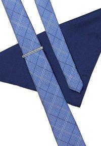 Burton Menswear London - CHECK TIE WITH PIN HANKIE SET - Pocket square - blue - 4