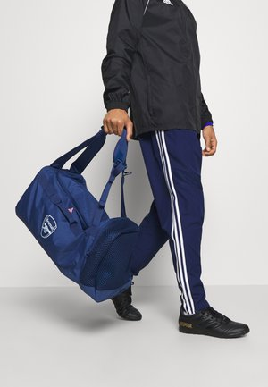 ARSENAL FC SPORTS FOOTBALL DUFFEL BAG - Sports bag - tech indigo/glow pink/yellow tint