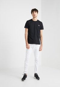 PS Paul Smith - SLIM FIT ZEBRA - T-shirt basic - black - 1