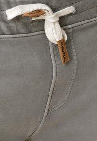 INDICODE JEANS - Shorts - grey - 3