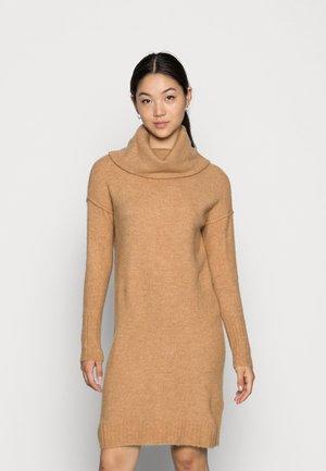 VMLUCI COWLNECK DRESS - Jumper dress - tan detail melange