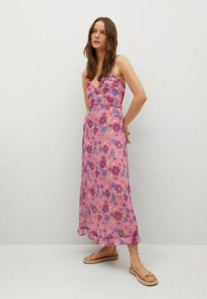 GEMUSTERTES - Denní šaty - rosa