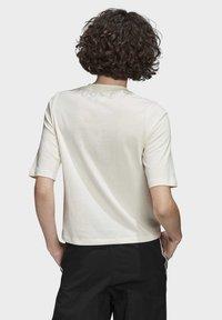adidas Originals - T-SHIRT - T-shirts med print - white - 1