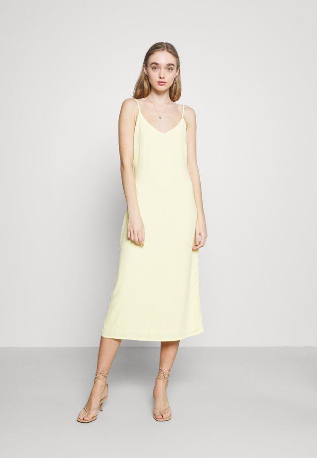 BIAS DRESS - Korte jurk - pale lemon