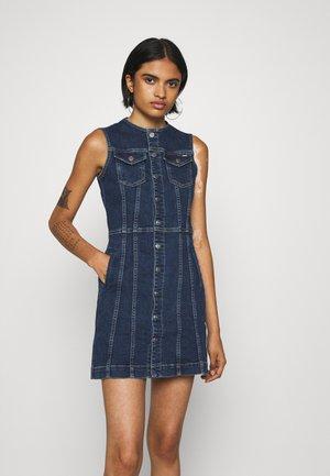 LINEA - Robe en jean - denim