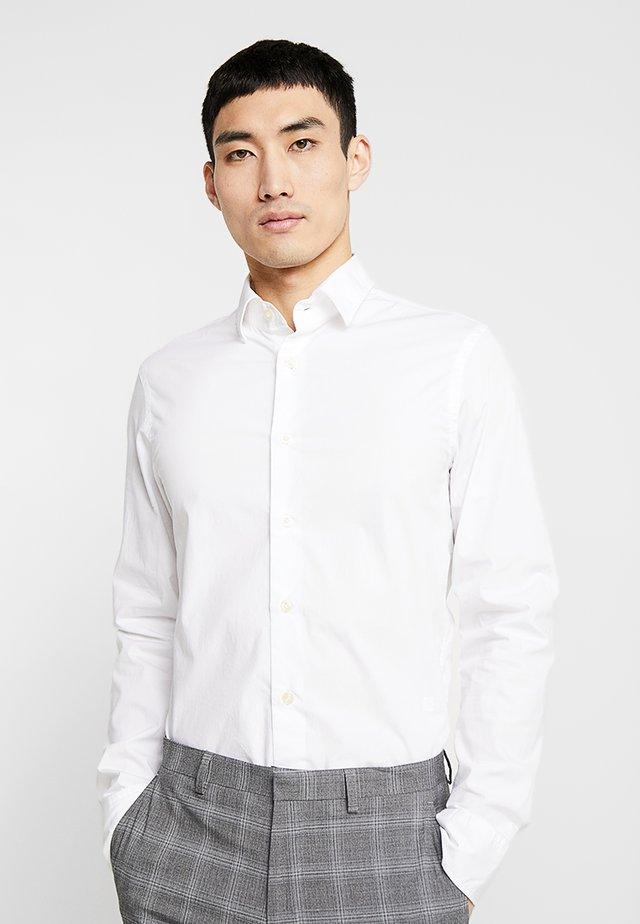 CORE SUPER SLIM - Overhemd - white