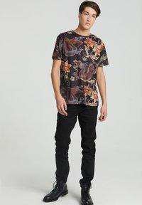 Mr. GUGU & Miss GO - JAPANESE DRAGON  - Print T-shirt - black - 0