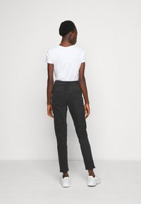 ONLY Tall - ONLVENEDA LIFE MOM - Slim fit jeans - black - 2