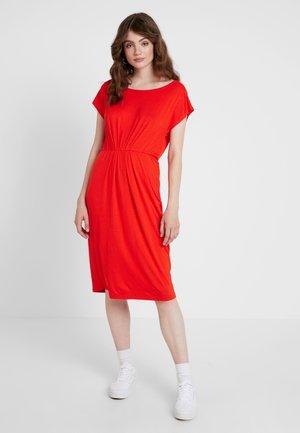 VMMARY CAPSLEEVE DRESS - Jersey dress - fiery red