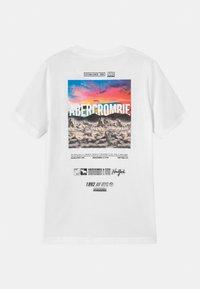 Abercrombie & Fitch - LOGO  - Print T-shirt - white - 1
