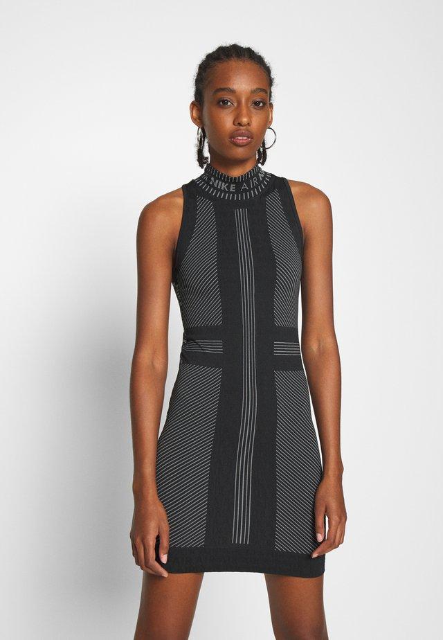 AIR  - Shift dress - black/white