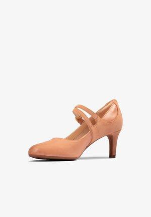 DANCER REECE - Klassieke pumps - beige