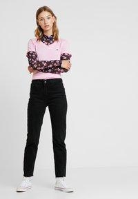 Nike Sportswear - TEE - T-paita - pink rise - 1