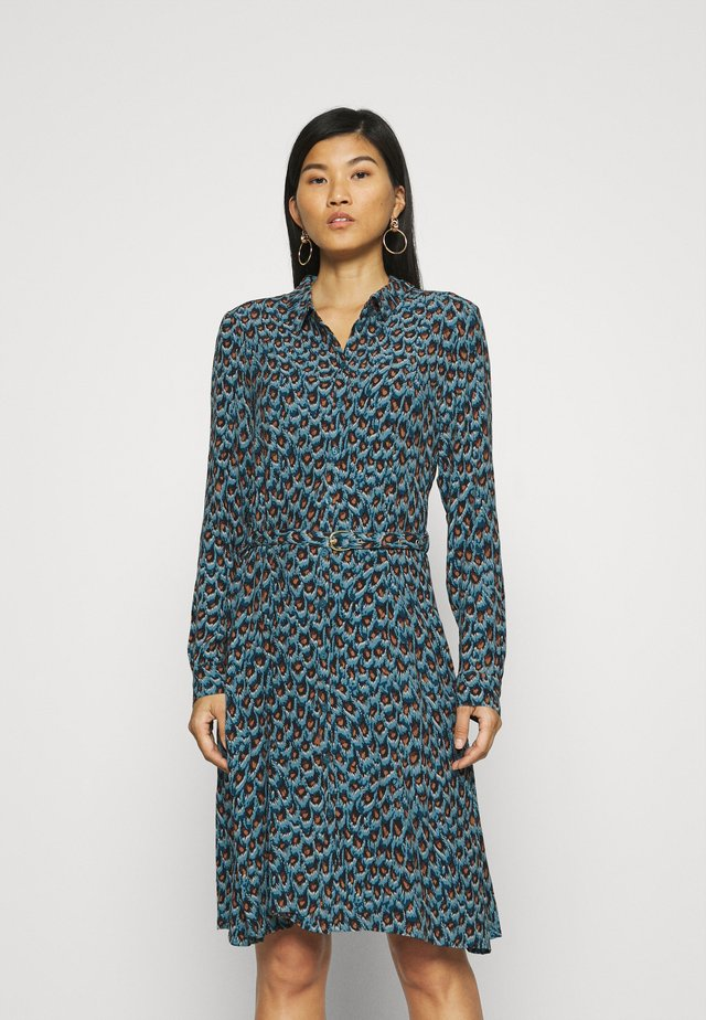 HAYLEY DRESS - Blousejurk - dusty blue/taupe