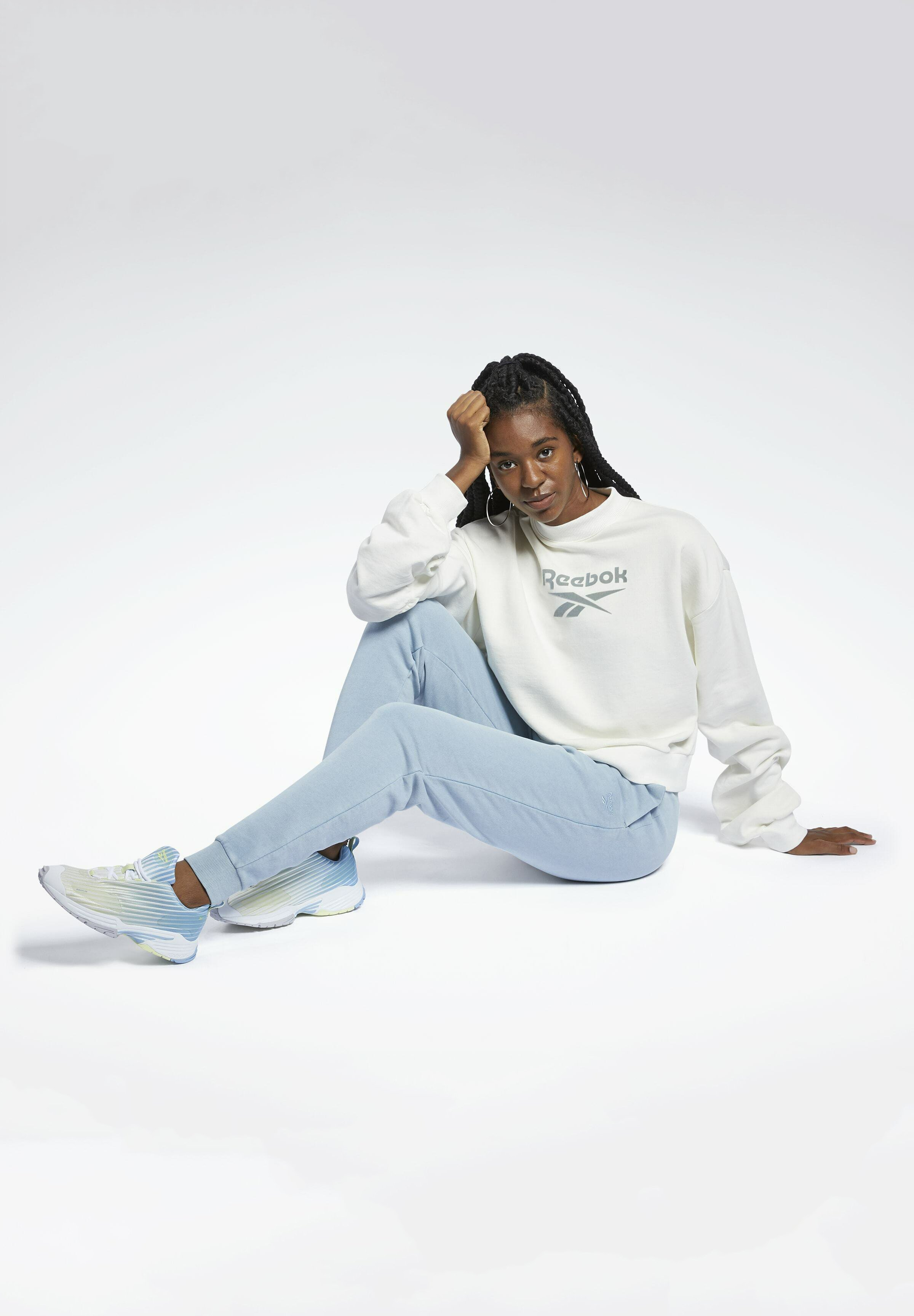 Women REEBOK CLASSICS MOCK NECK SWEATSHIRT - Sweatshirt