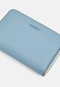 PARFOIS - WALLET BASIC JUNGLE S - Lommebok - blue - 3
