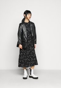 New Look Petite - PIECRUST PUFF STAR DRESS - Day dress - black - 1