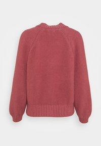 GAP Petite - TEXTURED ABBREVIATED CARDIGAN - Cardigan - roan rouge - 6