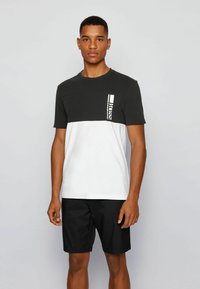 BOSS - TEE  - Print T-shirt - black - 0