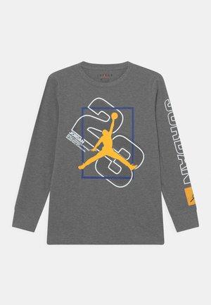 23 NEXT UTILITY  - T-shirt à manches longues - carbon heather