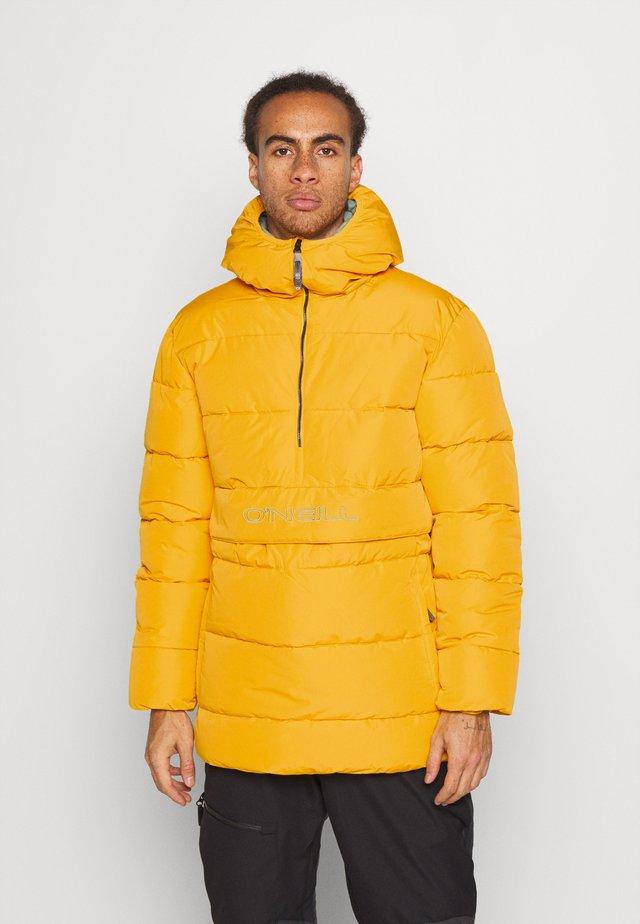 ORIGINAL ANORAK JACKET - Snowboardová bunda - old gold