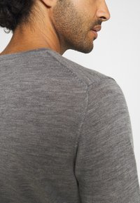 Jack & Jones - JJEMARK CREW NECK - Maglione - grey melange - 4