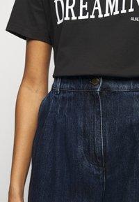 Alberta Ferretti - TROUSERS - Short en jean - blue - 3