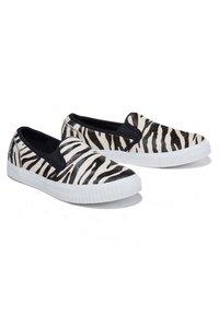 Timberland - Slip-ons - black and white zebra - 2