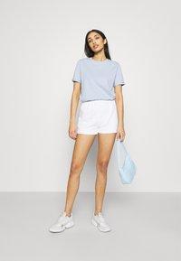 NA-KD - Shorts - white - 1