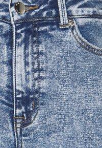 ONLY Petite - ONLERICA LIFE - Jeans straight leg - light medium blue denim - 2