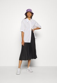 Weekday - LESLEY - Button-down blouse - white - 1