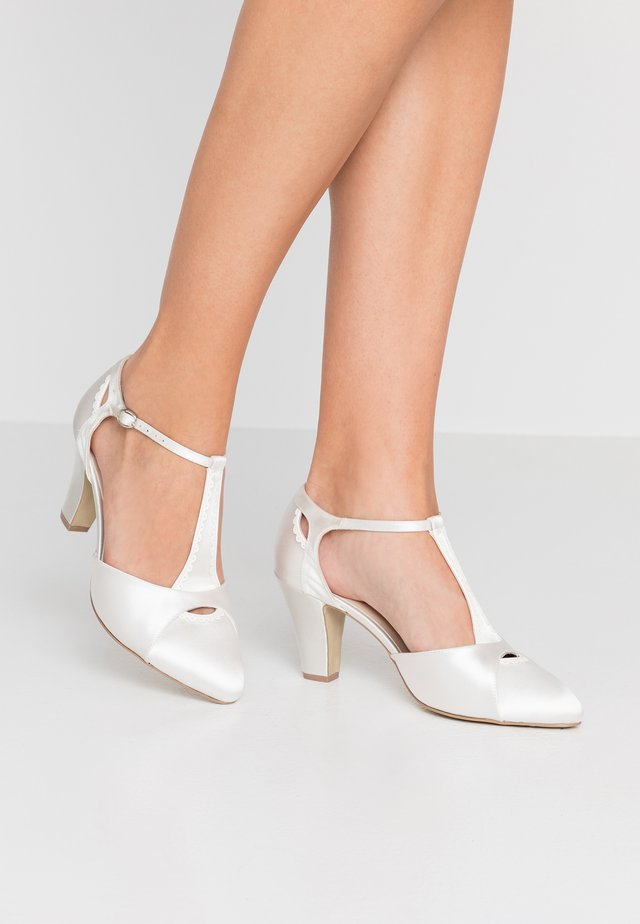 BELMONT - Bridal shoes - ivory