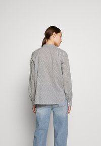 Marc O'Polo - BLOUSE STAND UP COLLAR  - Camisa - soft white - 2