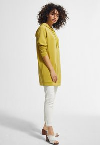 comma - Hoodie - yellow - 1