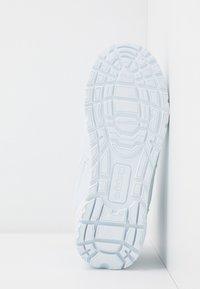 Kappa - BONFIRE - Sportieve wandelschoenen - white - 5