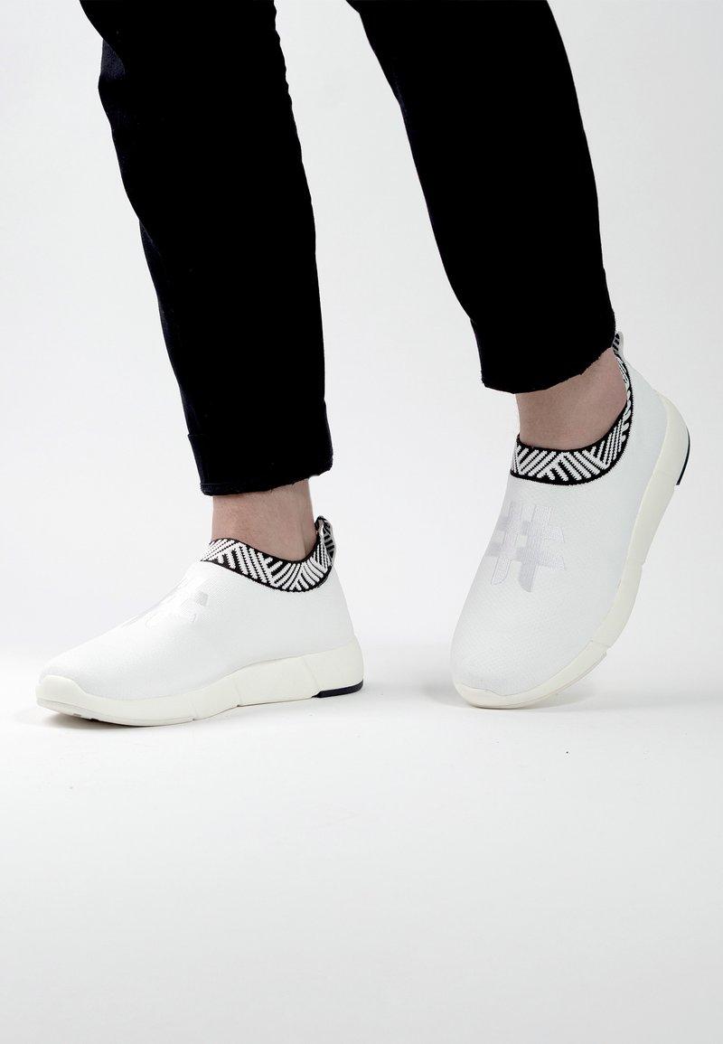 Rens Original - WATERPROOF COFFEE SNEAKERS - Sneakers laag - classic white