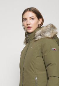Tommy Jeans - TECHNICAL - Down jacket - olive tree - 5