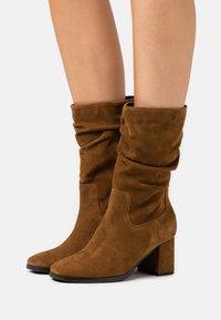 Tamaris - BOOTS - Boots - cognac - 0