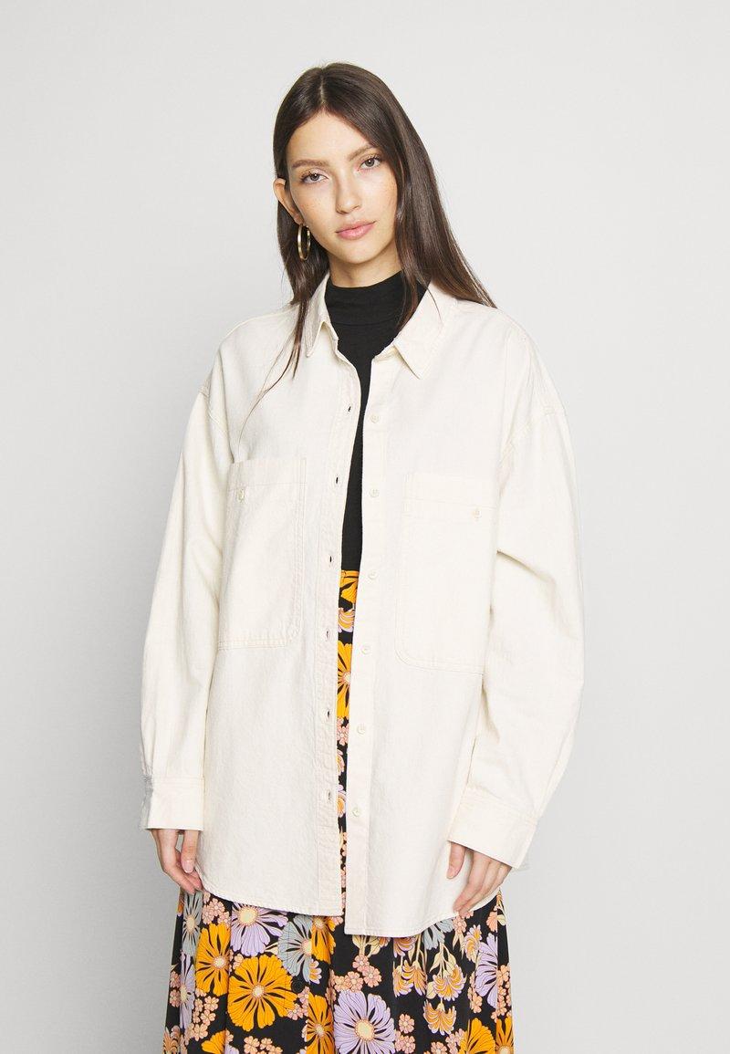 Monki - ALLISON - Button-down blouse - white light unique