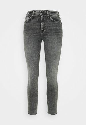 CATE MID RISE ANKLE  - Skinny džíny - black sage
