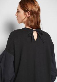 Victoria Victoria Beckham - BLOUSON SLEEVE TOP - Long sleeved top - black - 7