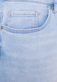 ONLY Carmakoma - CARENEDA LIFE MOM BABY  - Jeans relaxed fit - light blue denim - 6